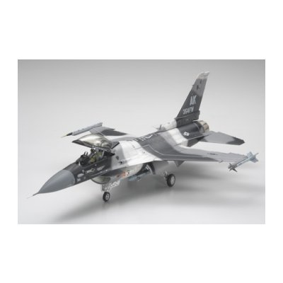 Maquette avion: F-16C/N Aggressor-Adversary - Tamiya-61106
