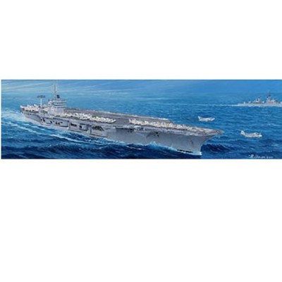 Maquette bateau: Porte-avions nucléaire US CVN-68 Nimitz 1975 - Trumpeter-TR05605