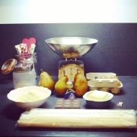 La galette des rois poire, chocolat, amandes. - Image n°1