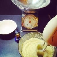 La galette des rois poire, chocolat, amandes. - Image n°5