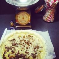 La galette des rois poire, chocolat, amandes. - Image n°7