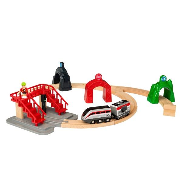 train brio circuit de voyageurs et locomotive intelligente jeux et jouets brio avenue des jeux. Black Bedroom Furniture Sets. Home Design Ideas