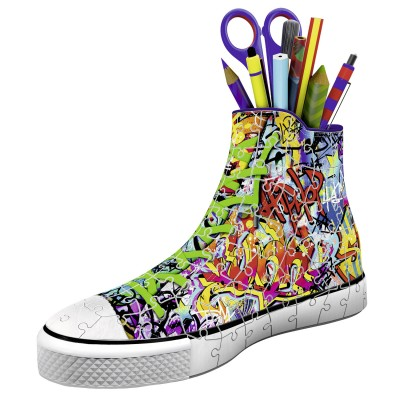puzzle 3d 108 pi ces chaussure sneaker graffiti puzzle ravensburger rue des puzzles. Black Bedroom Furniture Sets. Home Design Ideas